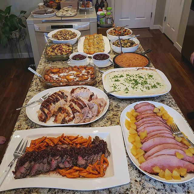 Nothing beats Thanksgiving meal, hanging out with the family and eating for 12 hour straight. How did ya'll enjoy your Thanksgiving? Anyone else excited to Christmas now?  #foodporn #foodie#foodlover #food#foodblogger#thanksgiving #overload #toomuchfood #turkey #ham #filetmignon #foodeater #eater #thanksgivingmeal #familytime #happyThanksgiving #christmas #picsoffood #foodpics #foodphotography #spread #slaps #familydinner #eattogether
