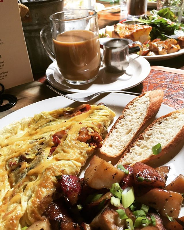 Sunday brunch vibes on level ten . . #sundaybrunchvibes #eatlocal #smallbusiness #eggs #nomnomnom #brunch #coffee #hangovercure #visitchampaigncounty #omelette