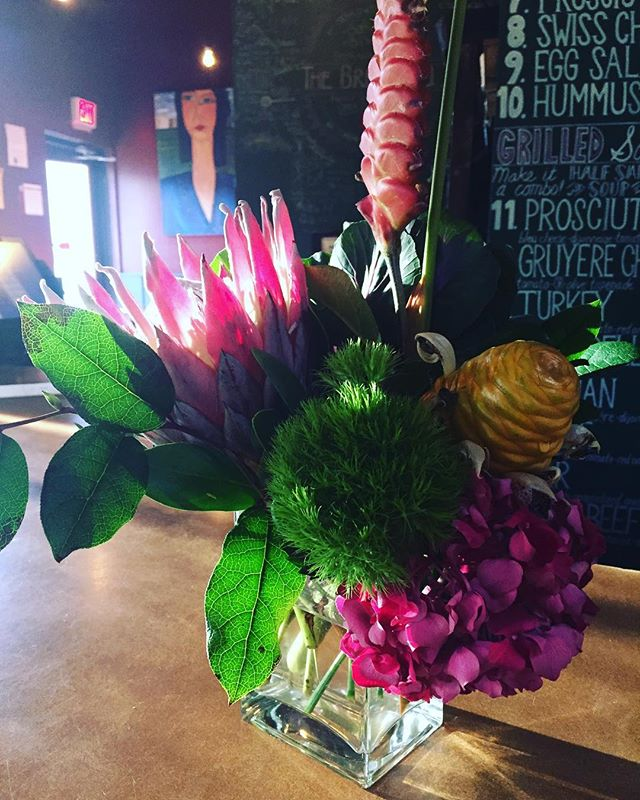 Loving these flowers from local florist Rick Orr 💕 Happy Mother's Day! Congratulations, Class of 2018! 🎓 #congratulations #mothersday #flowers #flowerstagram