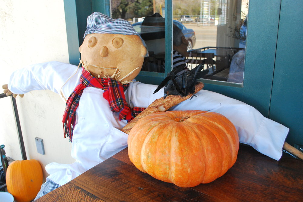 Scarecrow Getting His Bake On!