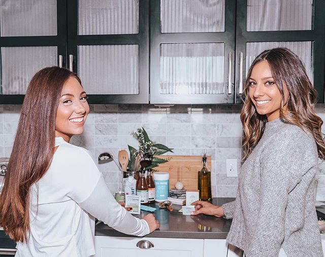 Babes, one more week of me posting about the Holistic Holiday event with @iamtruhaus x @babeswhobrunch_club so bear with me!😘 I wanted to introduce you to some of our amazing sponsors 🙌🏻 - SWIPE          - - @gothamgreens  @flow  @harmlessharvest  @soundtea  @vitalproteins  @wylde.one  @matchalove - - Who's excited?? (Clearly I am 🙃) - 📷 @m.jorquera.studio