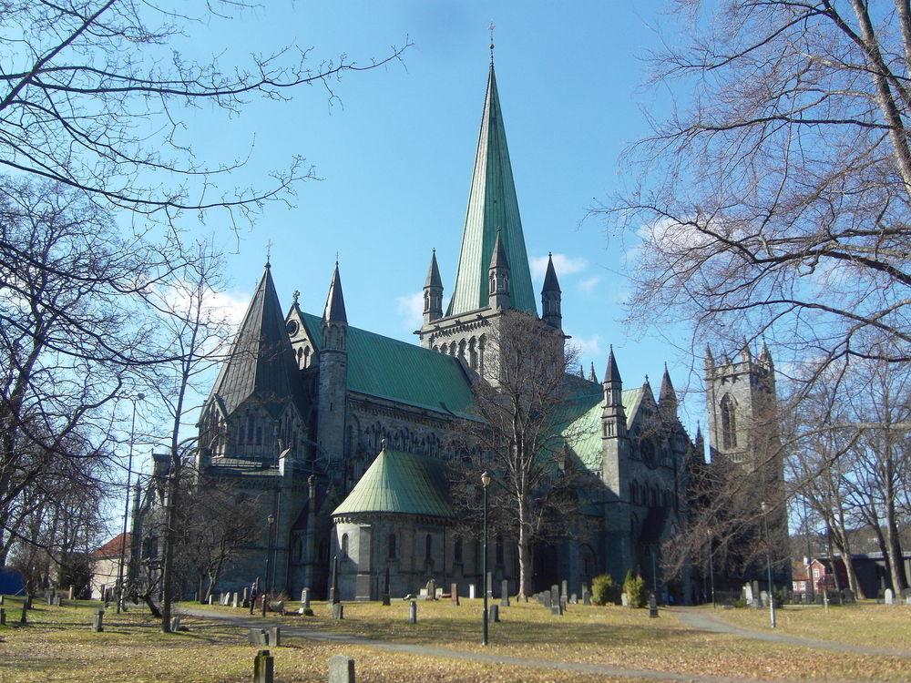 Nidaros_Cathedral_Trondheim.JPG