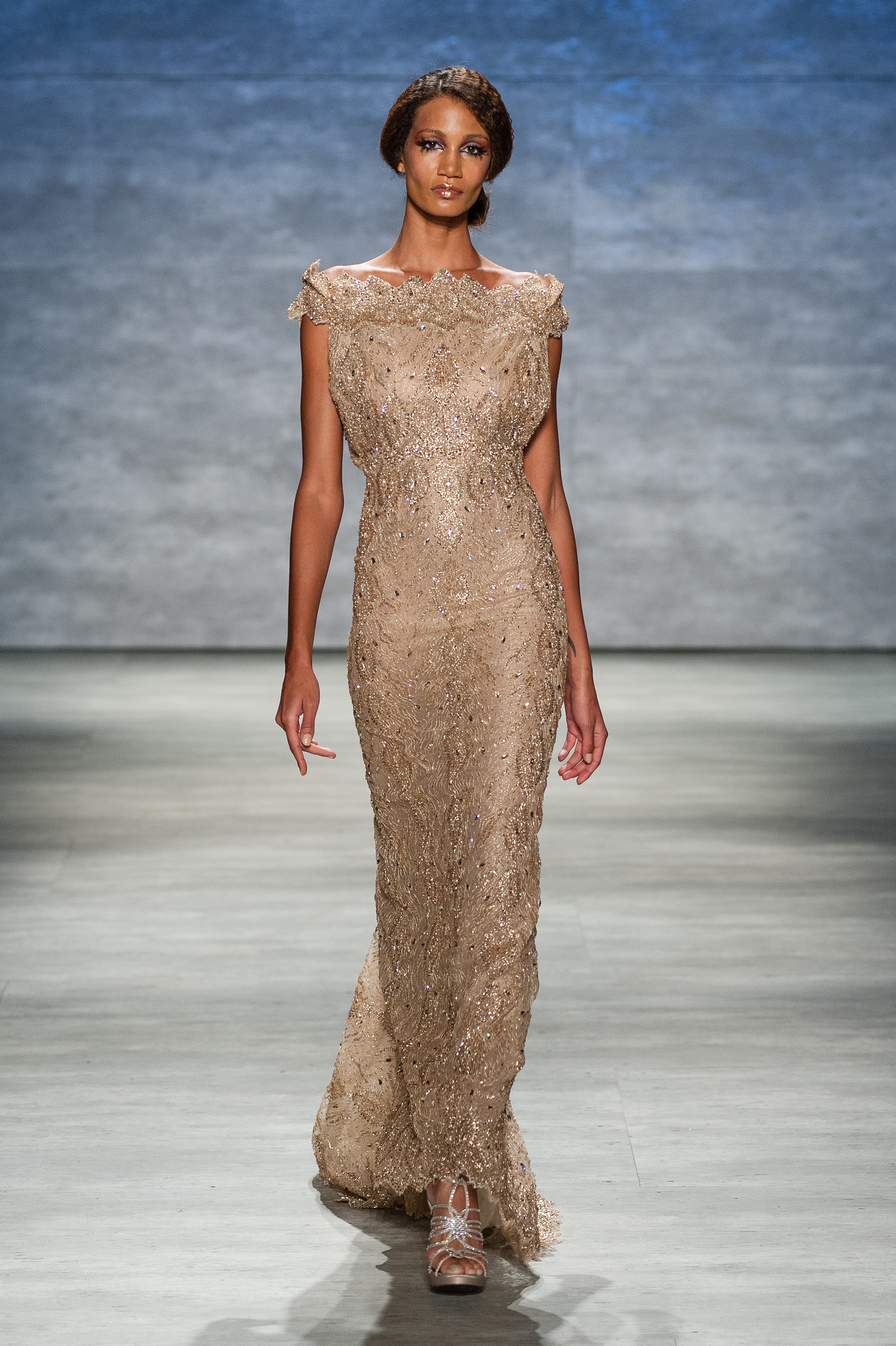 Gold Metallic Beaded Lace gown with crystal detail — Globa Moda