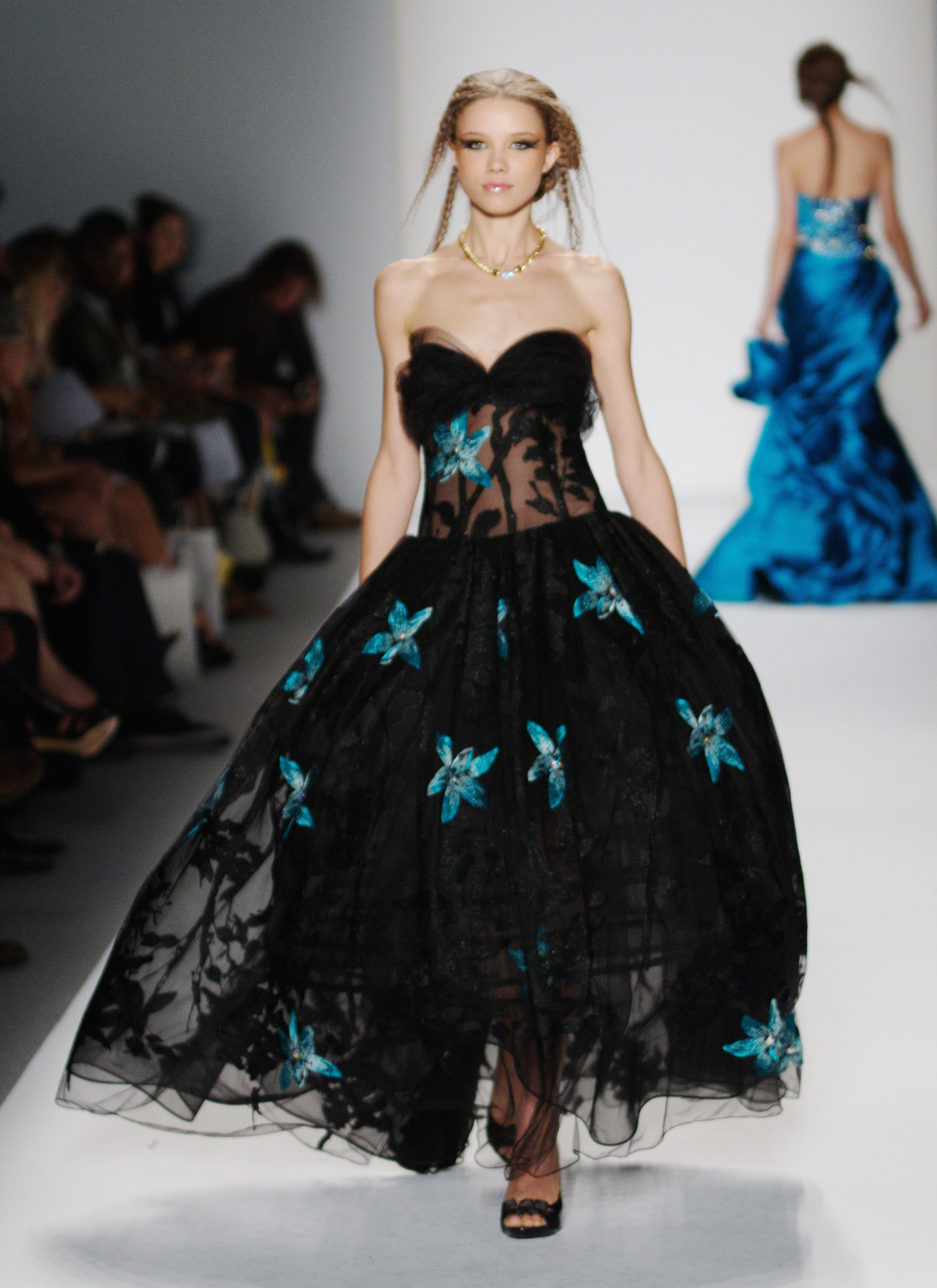 Black Sweetheart Sheer Corset Dress with Floral Embroidery — Globa Moda
