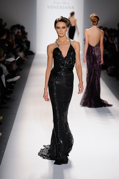 Black beaded evening gown with crystal strap — Globa Moda