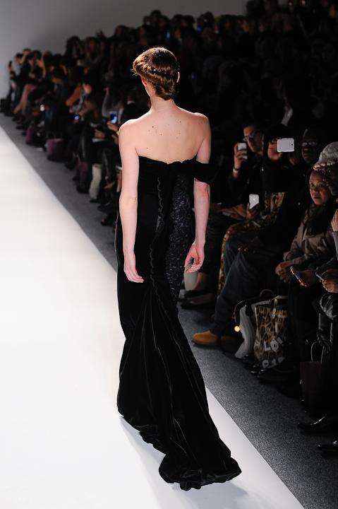 Black velvet evening gown with plum underlay — Globa Moda