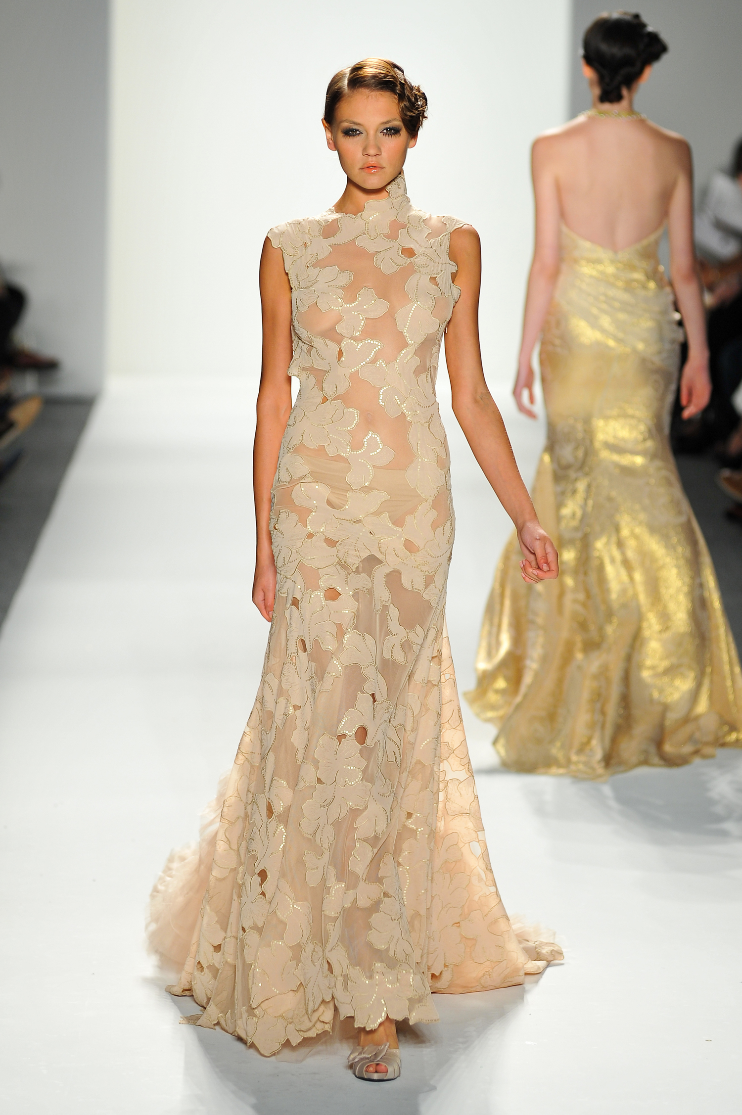 Floral and Cream Gown with Lace Trim — Globa Moda