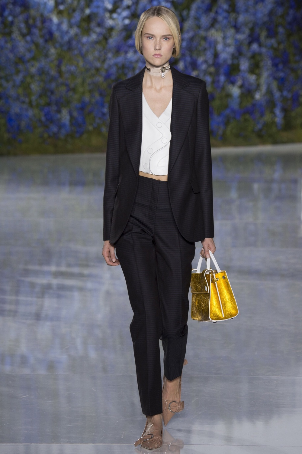 Christian Dior, Look #20 http://www.vogue.com/fashion-shows/spring-2016-ready-to-wear/christian-dior/slideshow/collection#20?mbid=ios_share