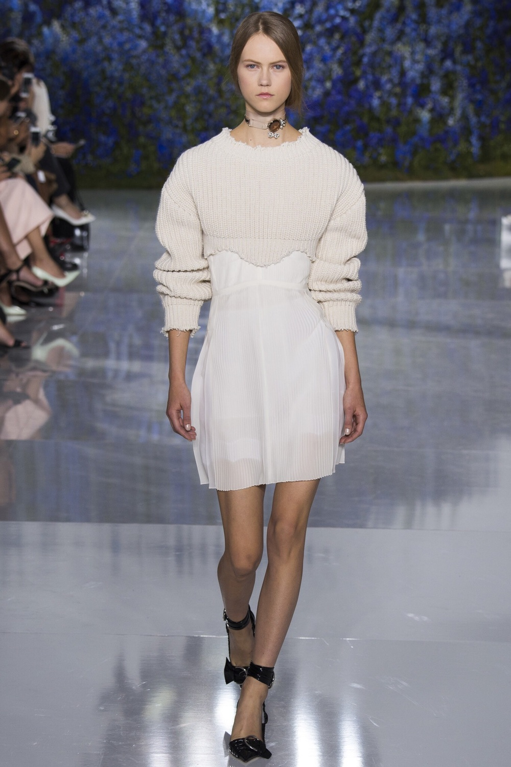 Christian Dior, Look #9 http://www.vogue.com/fashion-shows/spring-2016-ready-to-wear/christian-dior/slideshow/collection#9?mbid=ios_share