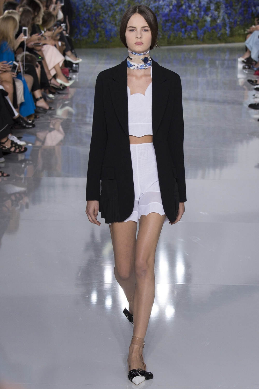 Christian Dior, Look #6 http://www.vogue.com/fashion-shows/spring-2016-ready-to-wear/christian-dior/slideshow/collection#6?mbid=ios_share