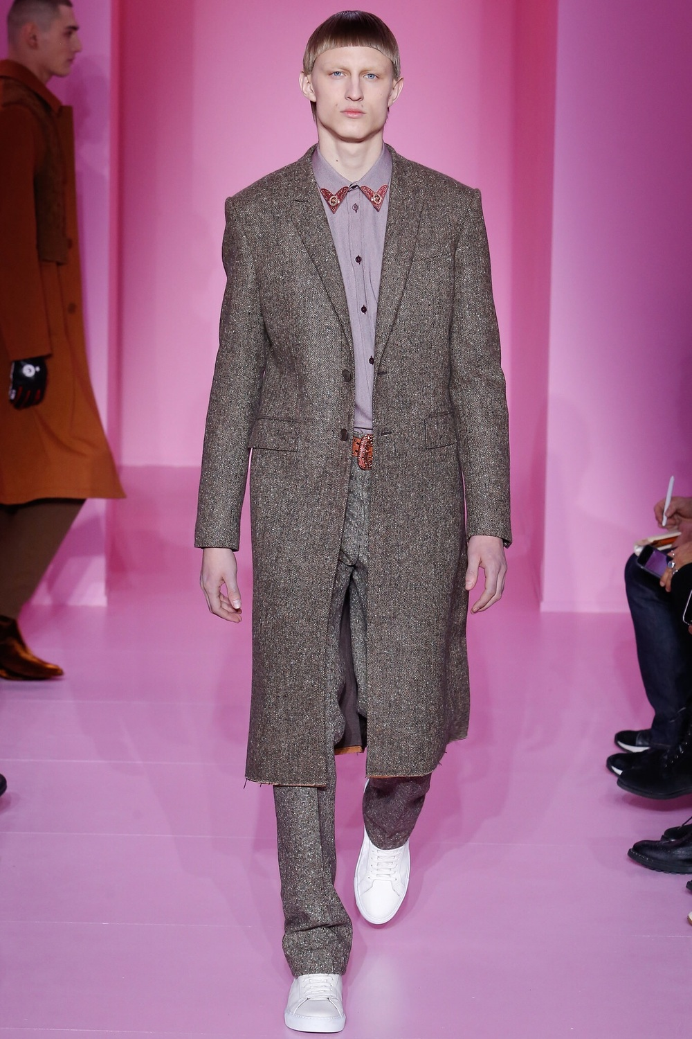 Givenchy, Look #15 http://www.vogue.com/fashion-shows/fall-2016-menswear/givenchy/slideshow/collection#15?mbid=ios_share