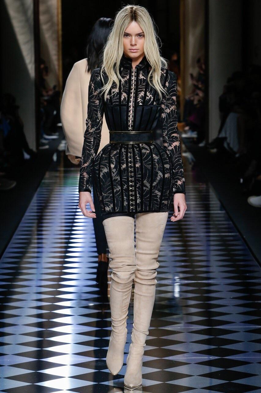Balmain, Look #59 http://www.vogue.com/fashion-shows/fall-2016-ready-to-wear/balmain/slideshow/collection#59?mbid=ios_share