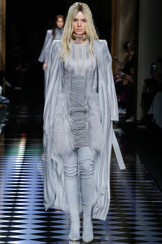 Balmain, Look #1 http://www.vogue.com/fashion-shows/fall-2016-ready-to-wear/balmain/slideshow/collection#1?mbid=ios_share