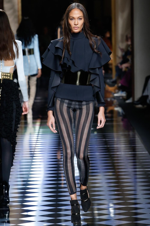 Balmain, Look #21 http://www.vogue.com/fashion-shows/fall-2016-ready-to-wear/balmain/slideshow/collection#21?mbid=ios_share