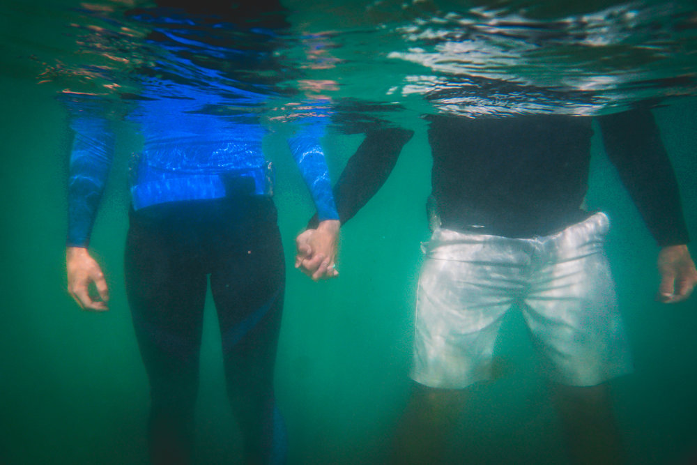 olapi-creative-underwater-engagement-session-blue-heron-bridge-florida3