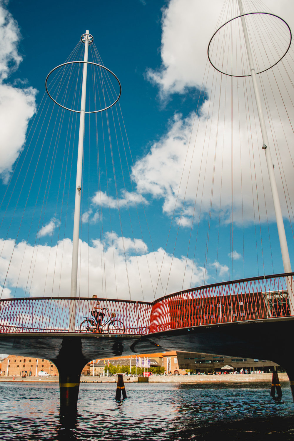 olapi-creative-travel-guide-copenhagen-pedestrian-bridge