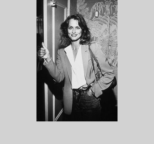 Lauren Hutton  - The gap-toothed American beauty loves a tailored jacket. Hutton's no fuss style and carefree spirit reminds us to wear a blazer with a fun-loving attitude.