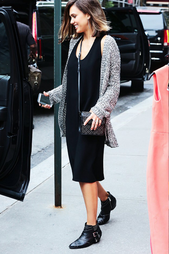 MADEWELL Dress $138        @jessicaalba