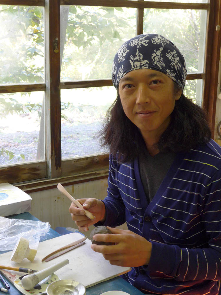 Kenji Arita in the studio.jpg