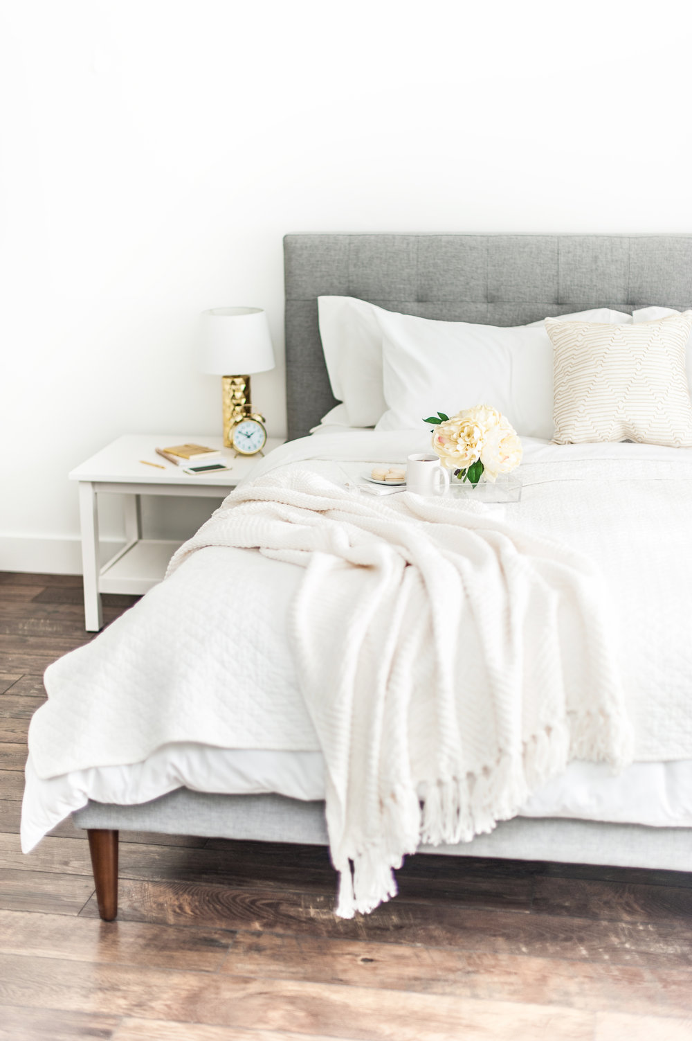 kate max interior bed.jpg