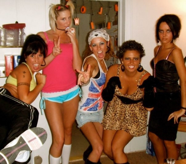 Left to Right: Sporty Spice/Izzy, Baby Spice/Jenna, Ginger Spice/Michaela, Scary Spice/Chasidy, Posh Spice/Nichole