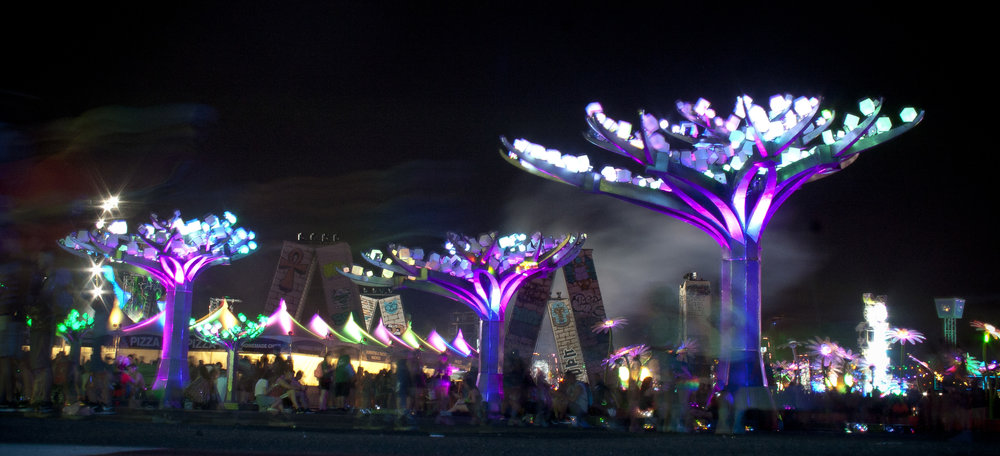 """ENTWINED"" at EDC Las Vegas 2017. Photo by Lynn Bryant"