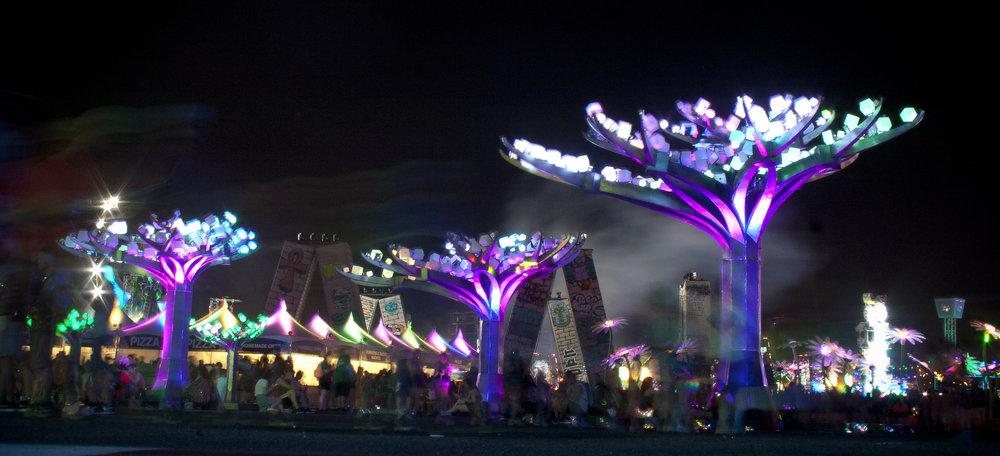"""ENTWINED"" at EDC Las Vegas 2017. Photo by Lynn Bryant"