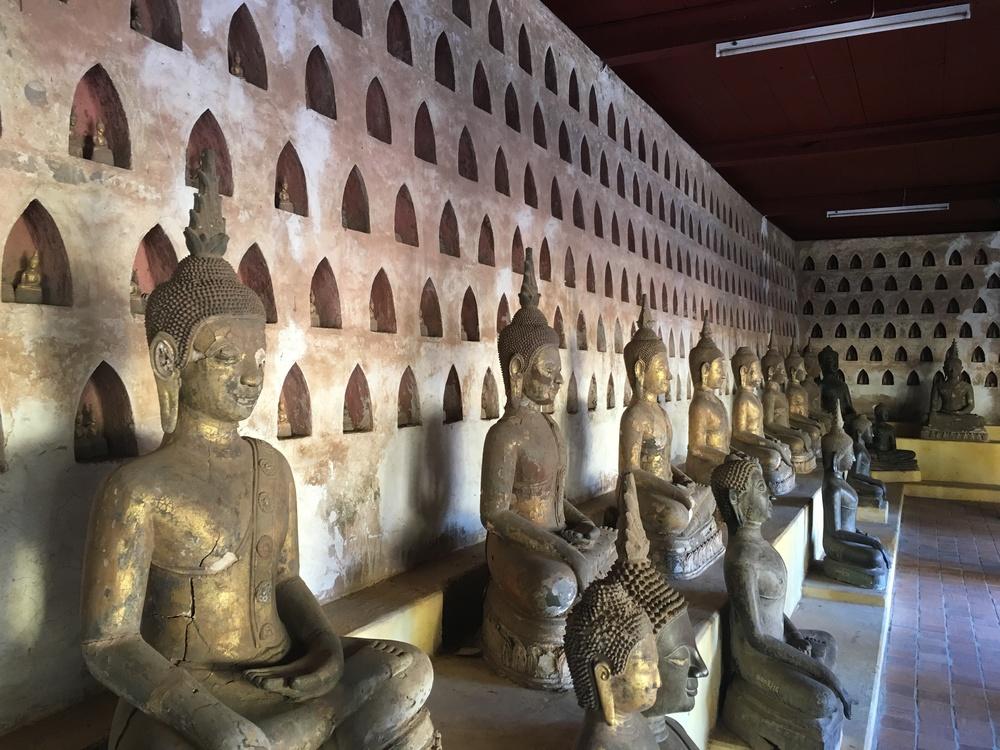 2000 buddhas at Wat Si Saket