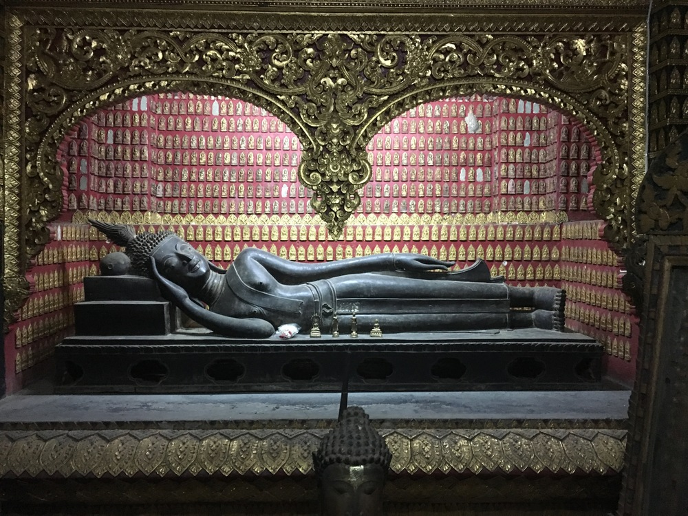 Reclining Buddha at Wat Xieng Thong