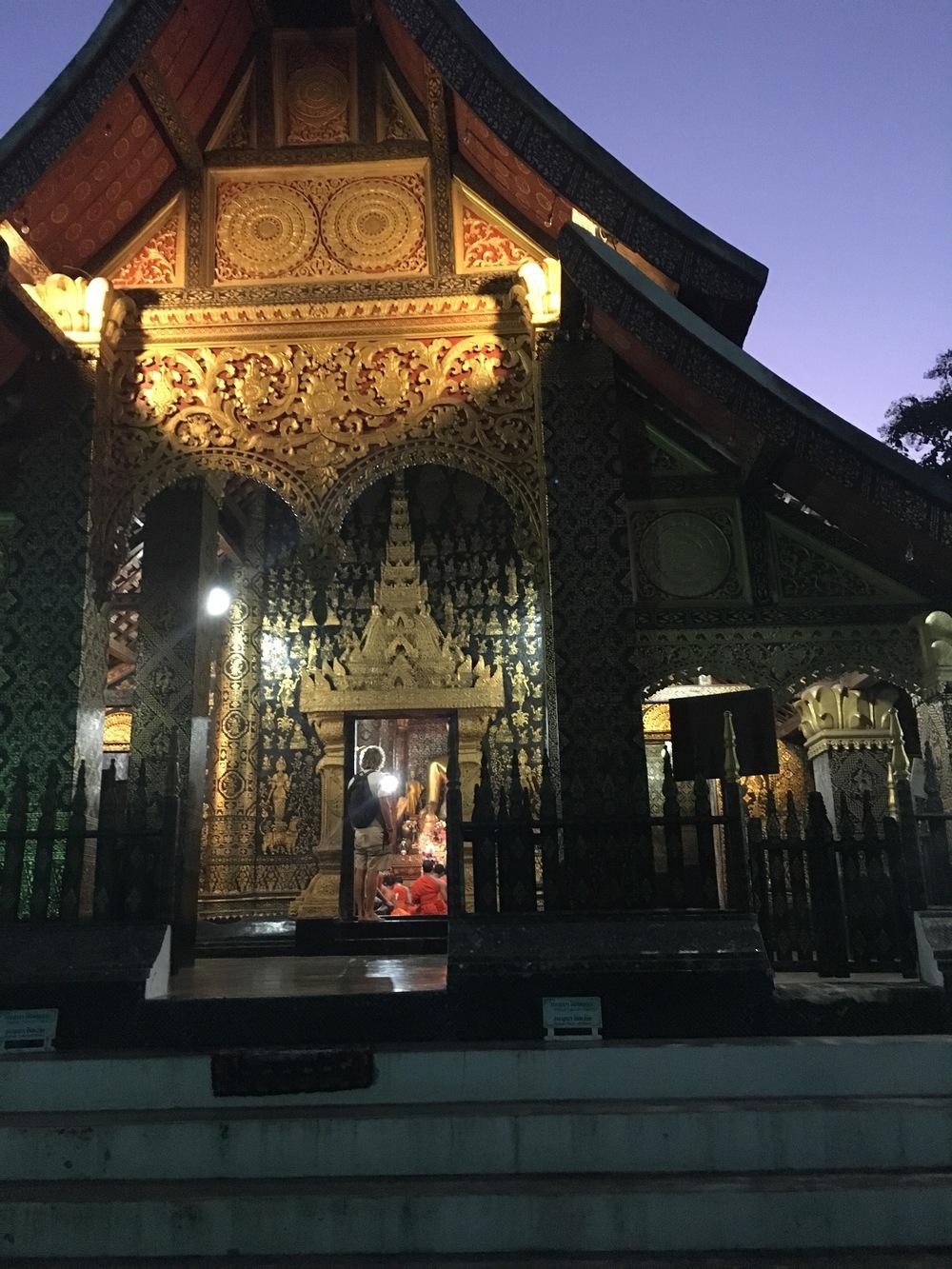 Old and new at Wat Xieng Thong