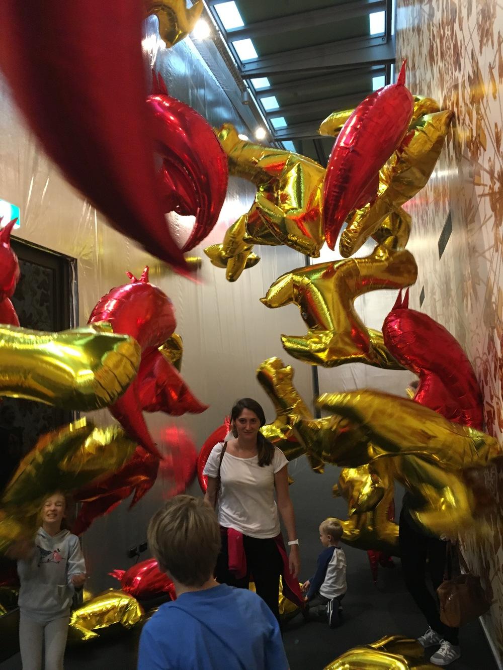 Alex does balloons