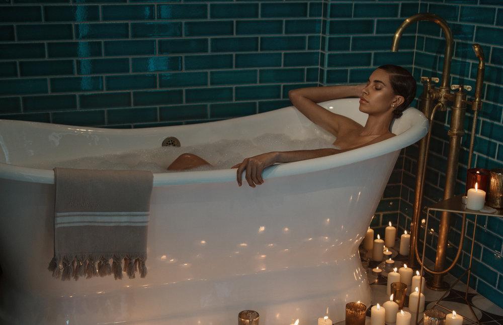 Vogue_Portugal_Oct_Beauty-4.jpg