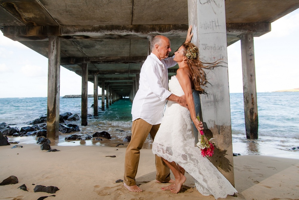 wedding photography makai pier oahu hawaii