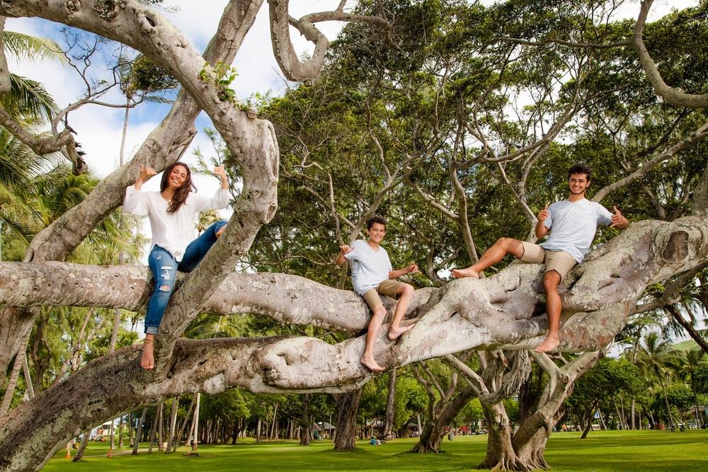 family beach park photos oahu