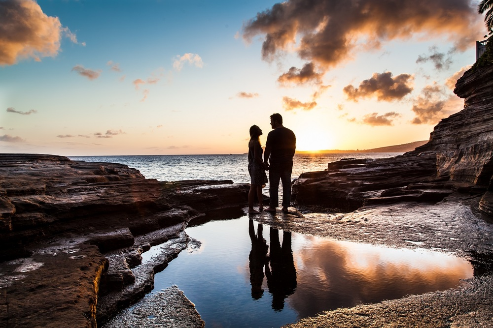 romantic couples anniversary sunset portrait