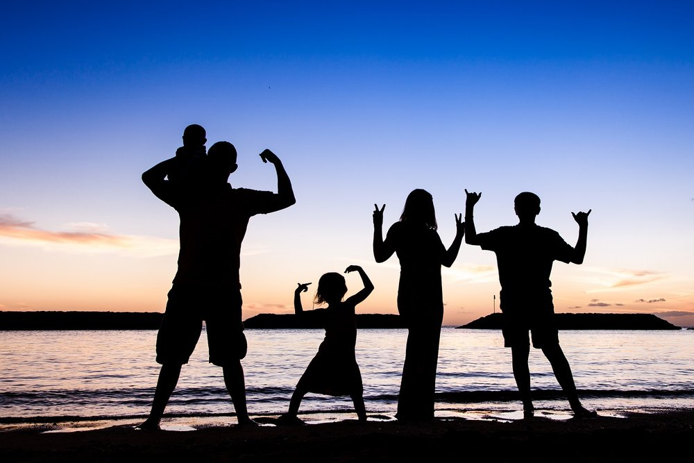 family beach silhouette portrait oahu hawaii