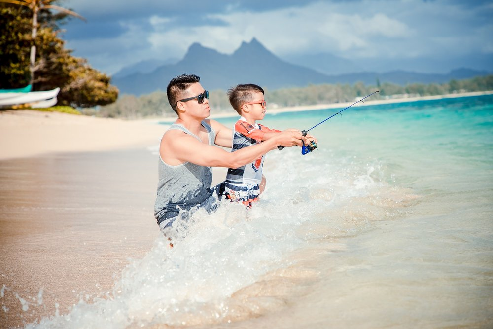 oahu family beach vacation fishing photos