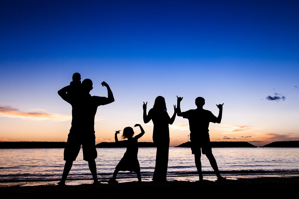family sunset silluette portrait