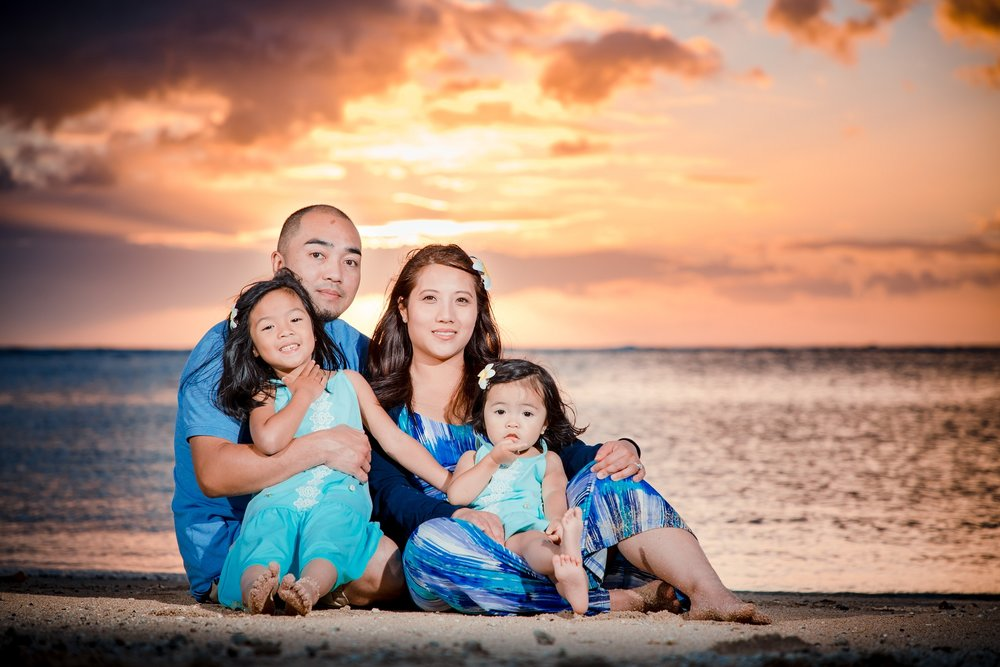 waikiki sunset family portrait