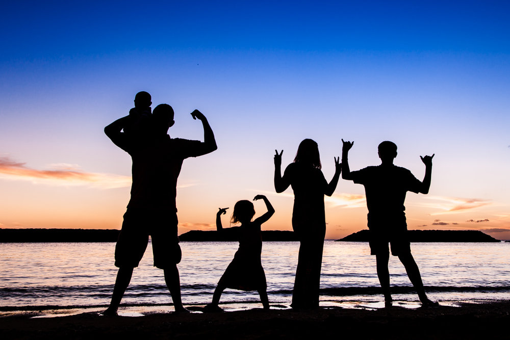 oahu family children silhouette beach sunset portrait