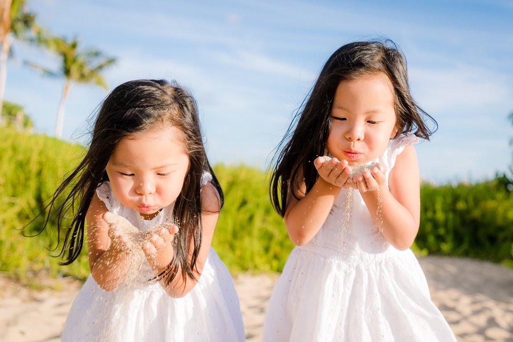 twin girls family beach vacation photos disney aulani oahu