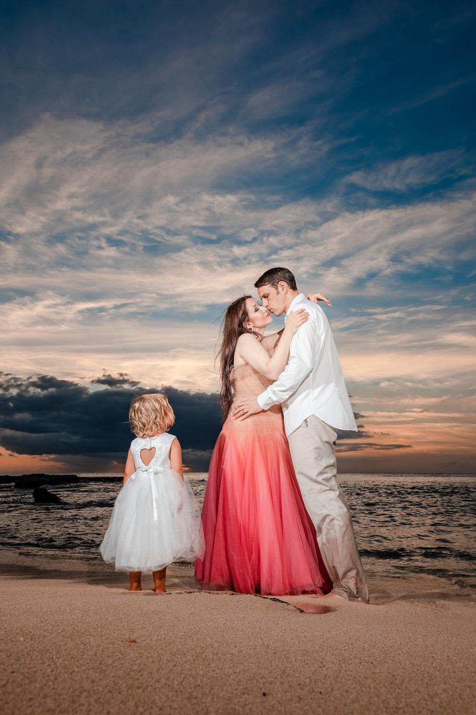 family beach sunset portraits disney aulani Four Seasons Resort oahu photographer