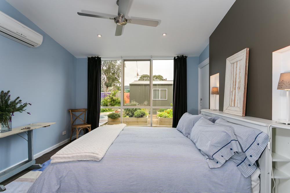 Master queen bedroom, split system, ensuire, walk in robe, ceiling fan