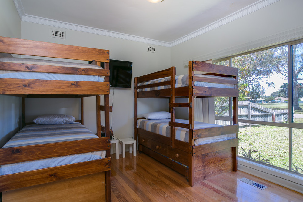Bedroom 1 with 2 x bunk beds + 2 x pull out trundles (sleeps 6)