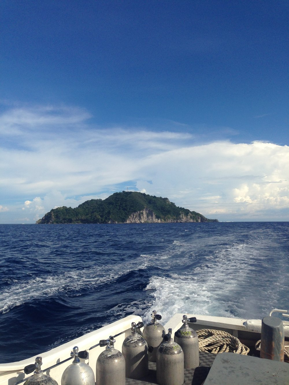 Leaving Apo island, Philippines after a day of diving