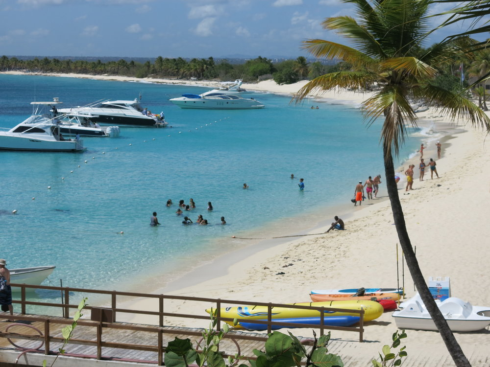 Isla Catalina - A major tourist attraction.