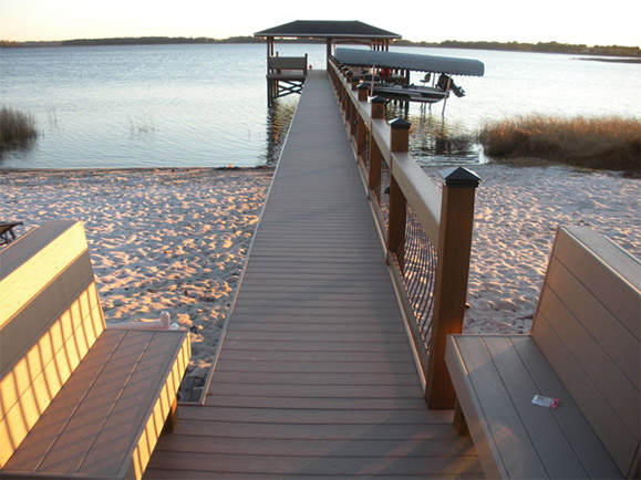 AZEK DECKING – CHERRY LAKE