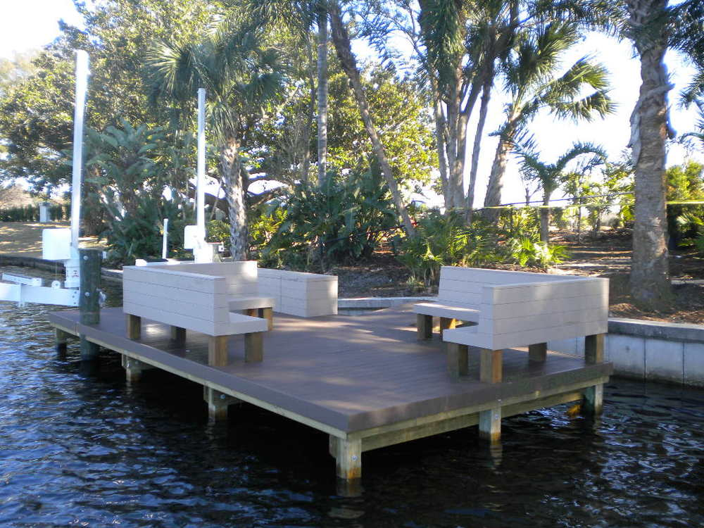 AZEK DECKING & BENCHES – LAKE IVANHOE