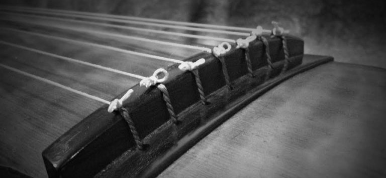 Guqin Reflections - A recent addition to the landscape! The work of this author gets excitingly technical. If you'd rather go all in on the qin (we won't hold it against you) their Guqin Resources page has some astounding, truly incredible resources.