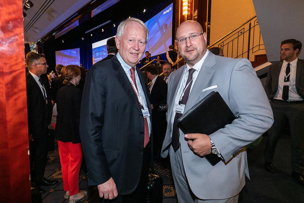 Präsident des Wirtschaftsrates der CDU Werner M. Bahlsen mit Andreas Schrobback